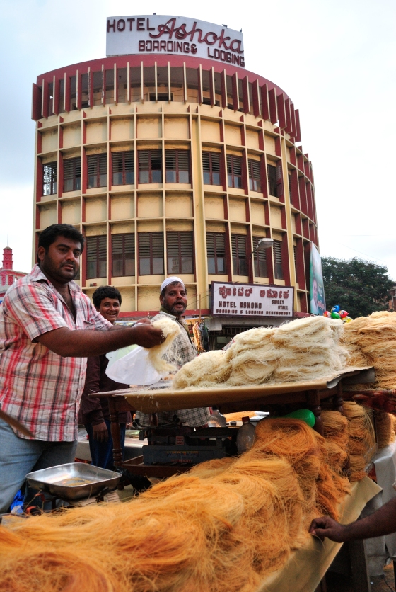 Sevai on sale already, and people were buying by the truckloads. Sevai is what is used to make Sheer Qurma - the trademark sweet of Eid.