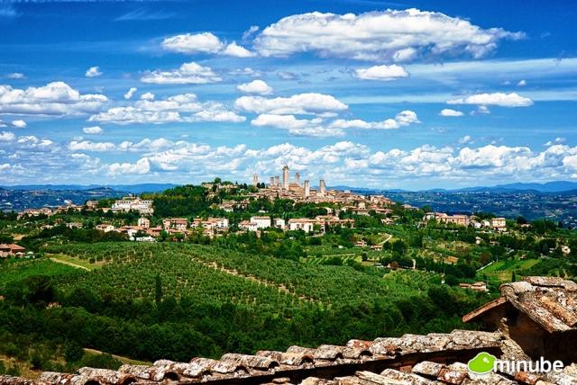 San Gimignano, Tuscany. Picture via Huffington Post/Minube.