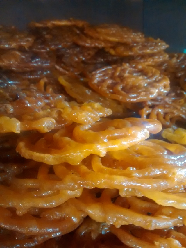 Crispy, gooey jalebis at a breakfast stop on the way.