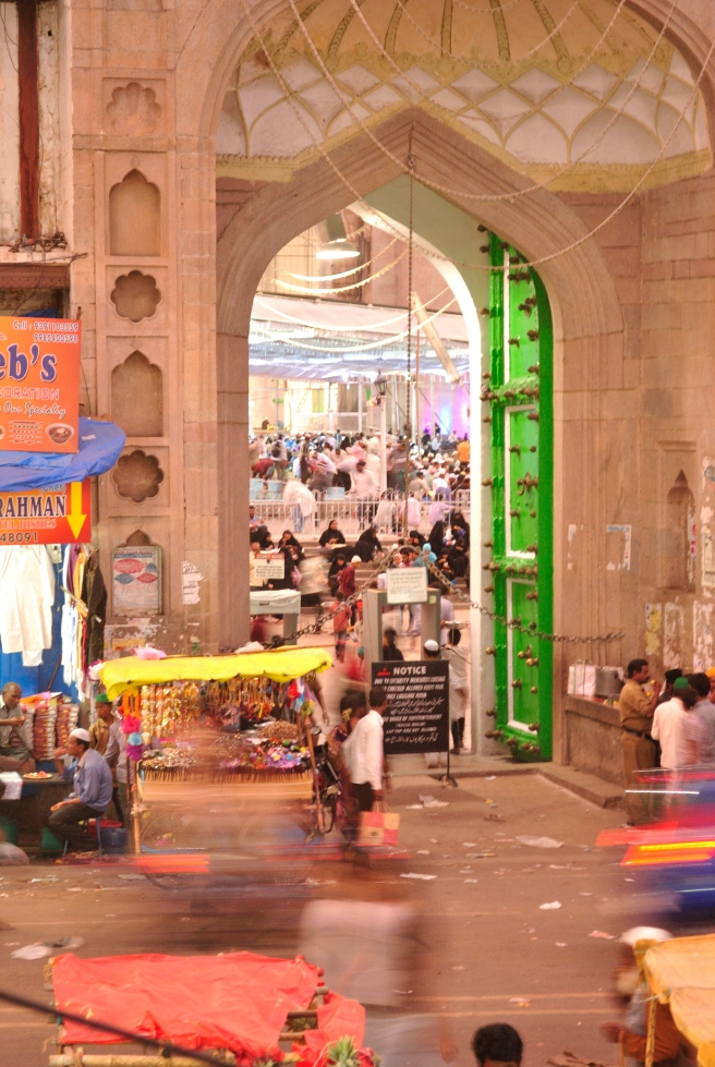 Jumma Masjid near Charminar, moments before the siren went off.